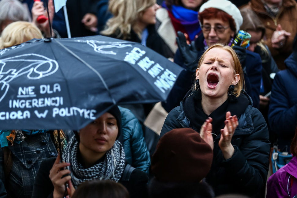 35 Photos Of Protesting Women That Portray Female Power - Poland