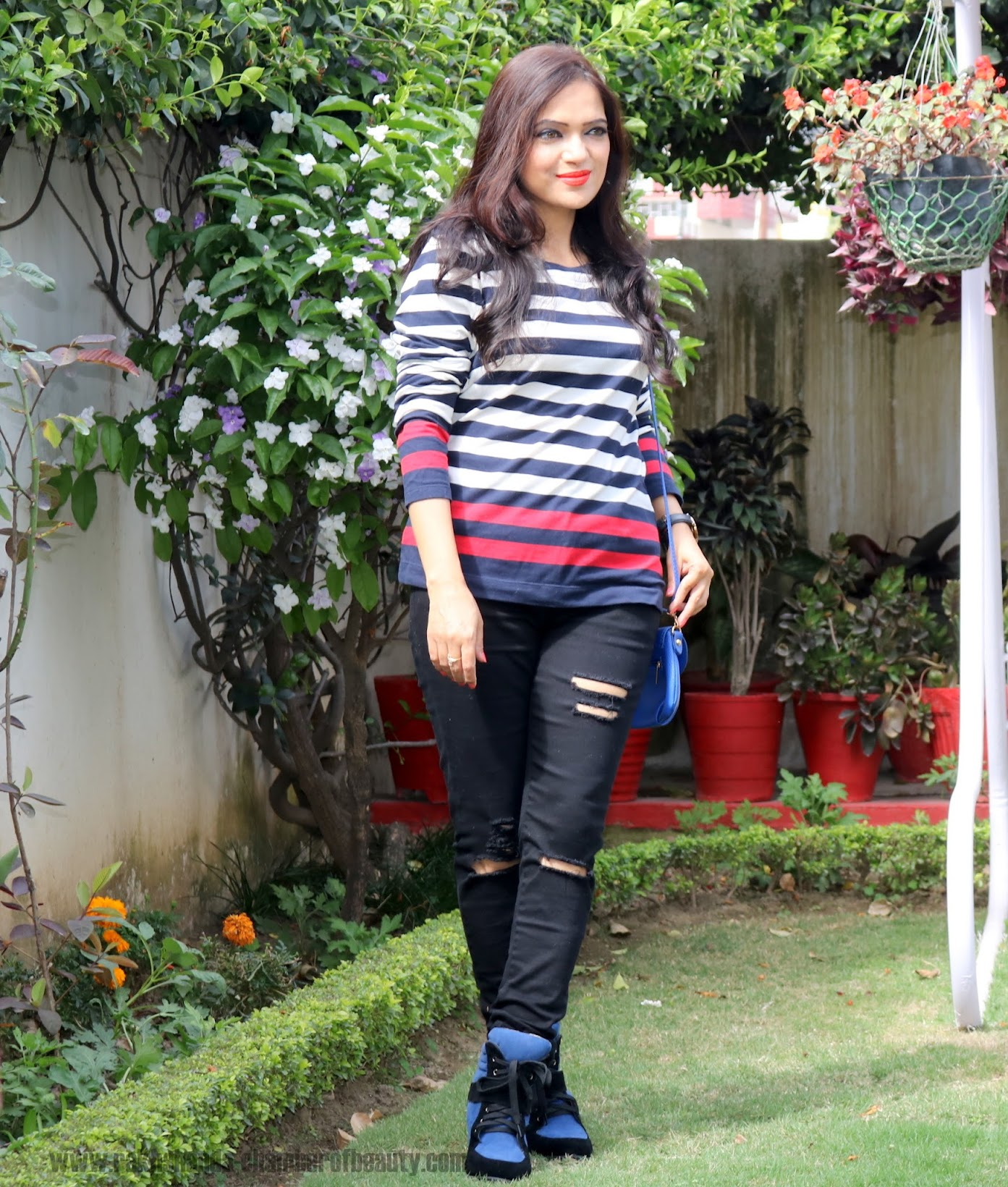 How to wear black ripped jeans, spring fashion trends, Zaful Black ripped jeans