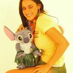 Andrea Rincon, Selena Spice Galeria 13: Hawaiana Camiseta Amarilla Foto 53
