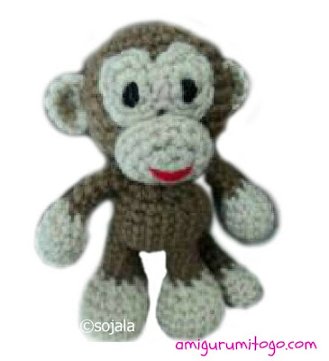 Free tiny monkey crochet pattern - Amigurumi Today | 400x365