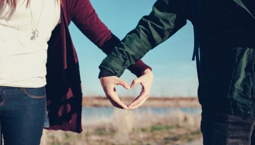 Jatuh Cinta pada seseorang? Gunakan 11 cara ini agar cintamu terbalas