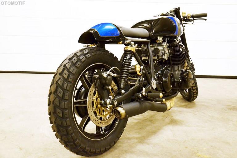 Daris-Yamaha-XS1100-Cafe-Racer-9-768x512