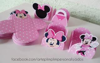 Cutii roz pentru prajituri botez Minnie Mouse cu ilustratii