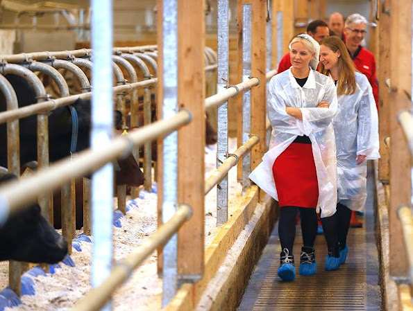 Crown Princess Mette Marit wore wore Prada Ruffle Wool Coat and Prada Jeweled Brooch Suede Pump shoes at NMBU Campus