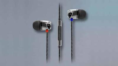 SoundMagic E10C in-ear headphones with mic