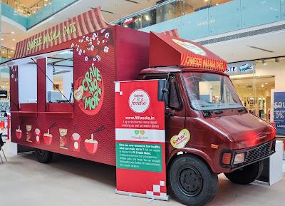 Saffola Masala Oats #BreakUpWithJunk Chinese Food Truck