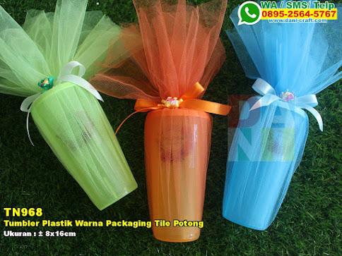 Tumbler Plastik Warna Packaging Tile Potong