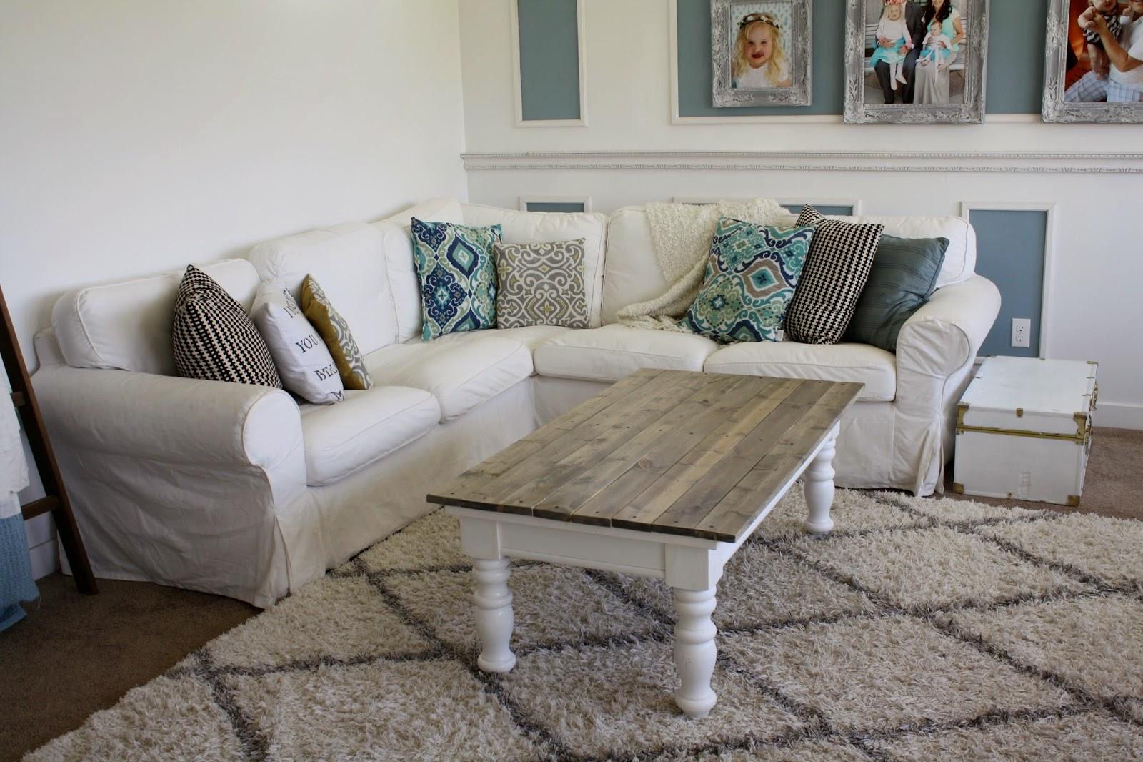 Nifty Thrifty Momma: Farmhouse Style Coffee Table
