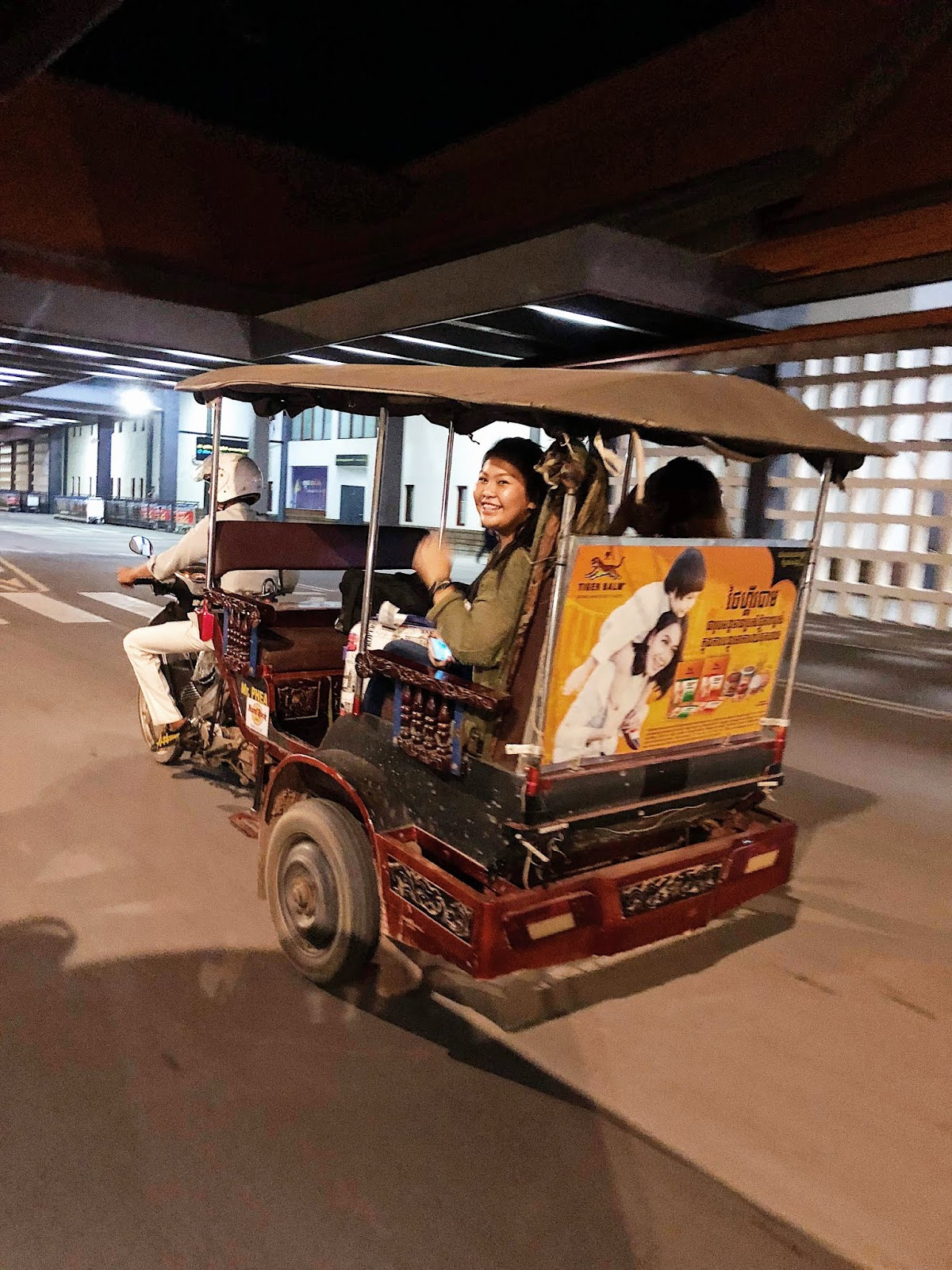 tuktuk pick up from the airport