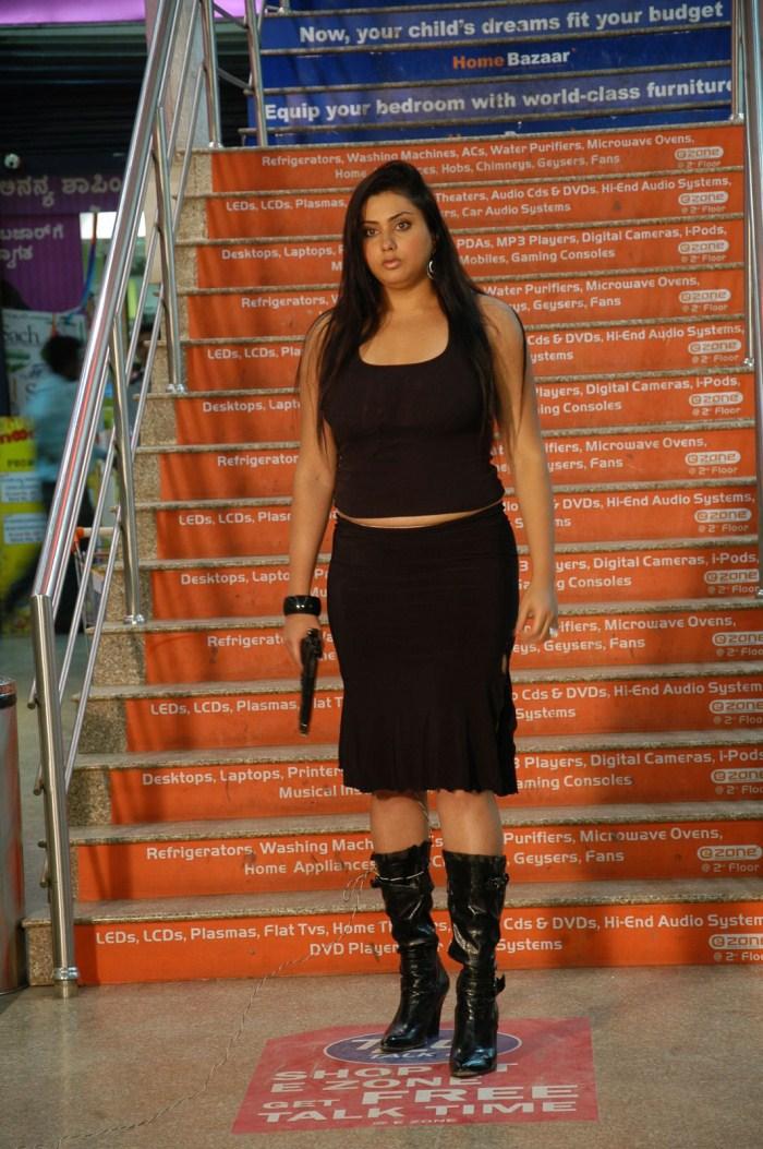 Kanavukannikal Namitha - Hot Images From The Movie Fire-9730