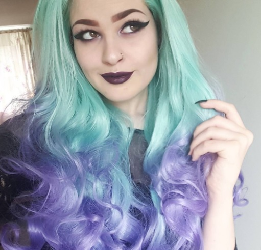 16 Pastel Goth Looks You'll Want To Try Instagram @beautybyamerei beauty makeup fashion blogger
