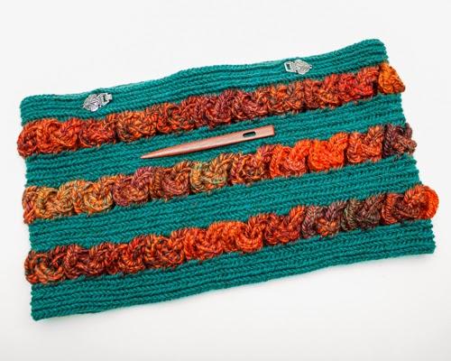 Nalbound Knotwork Cowl done in Finnish Stitch. Copyright Amy Vander Vorste