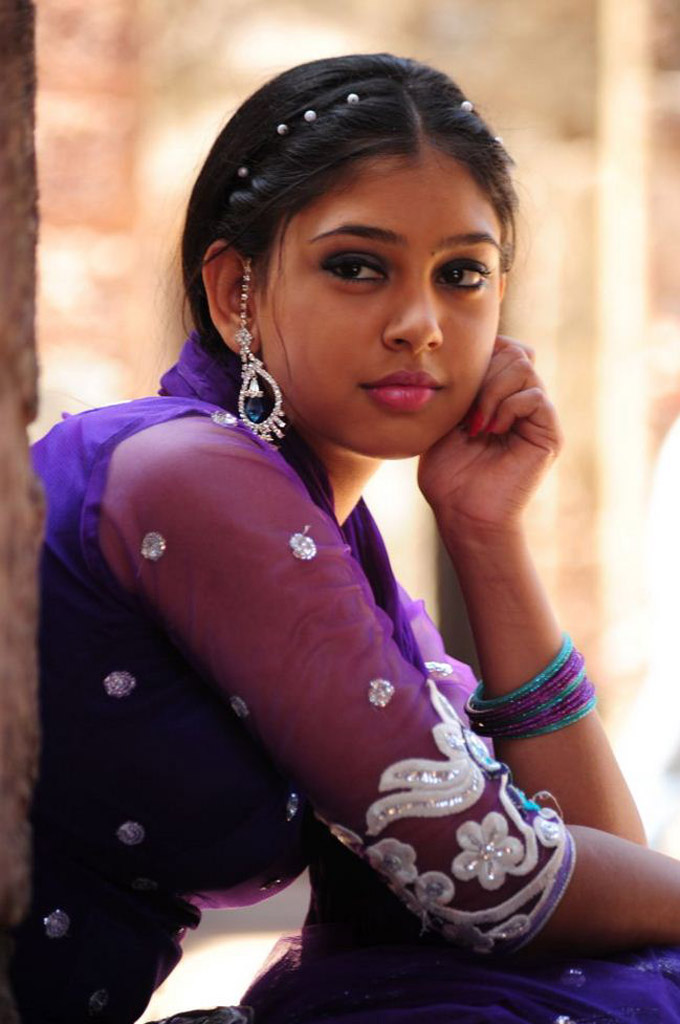[Image: Niti+Taylor+Hd+Wallpaper+04.jpg]