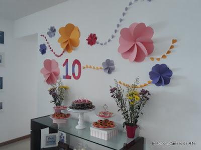 painel de flores de cartolina