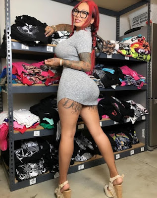 Brittanya Razavi shows her wardrobe