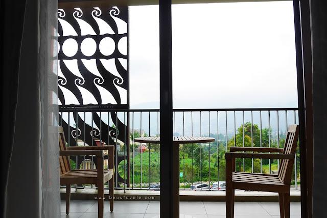 Pemandangan dari kamar deluxe di Pesona Alam Resort & Spa