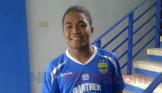 Persib Bandung Resmi Rekrut Pemain Muda Billy Keraf