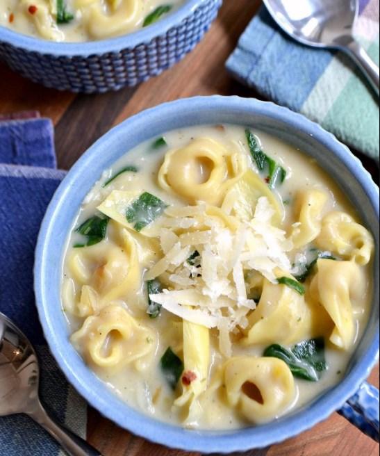 Creamy Spinach Artichoke Soup #soup #vegetarian
