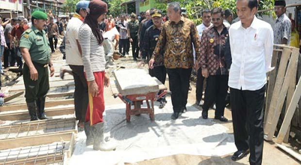 Bangun Jalan di Desa Capai 191 Ribu KM, Jokowi Dinilai Klaim Sepihak