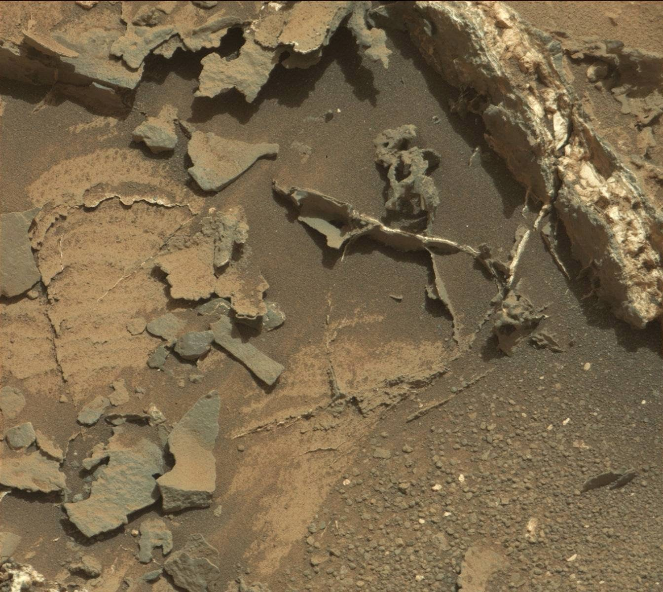 UFO WORLD: NASA - Mars Latest Images by Curiocity Rover