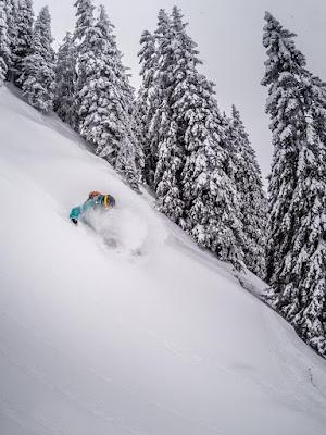 Tiefschnee Technik beim Skifahren Lehrvideo