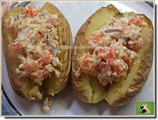 Vie quotidienne de FLaure : Pommes de terre garnies de ricotta, bacon, poivron et parfumées de paprika et curry
