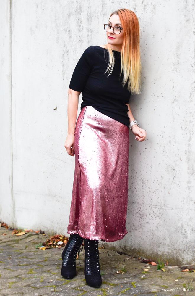 Look mit Pailetten Rock, langer rock aus rosa Pailetten