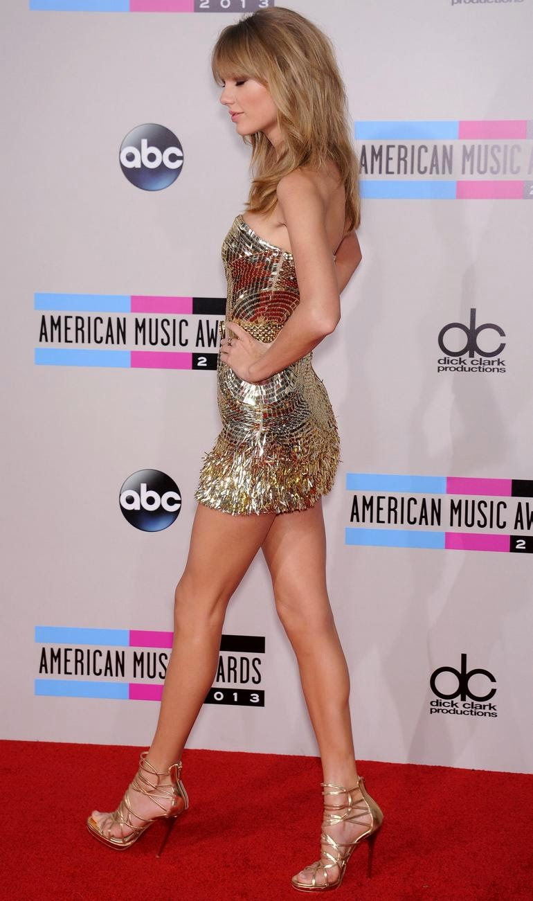 Sexy legs of taylor swift new images