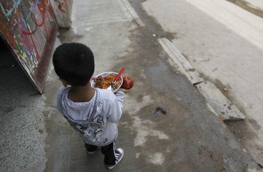 Casi la mitad de los niños en Argentina vive en pobreza