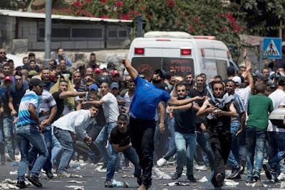 Heurts à Jérusalem et en Cisjordanie: un 3e Palestinien tué dans - DISCRIMINATION - SEGREGATION - APARTHEID - RACISME - FASCISME a19