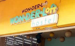 hotel di daerah kota tua bernama wonder loft hostel