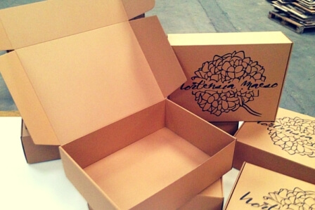 caja para envios abierta