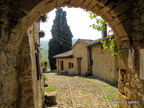 Borgo La Scola, voltone medievale