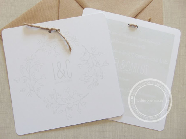 Invitación de boda natural y sencilla en acuarela con motivos vegetales en forma de corona
