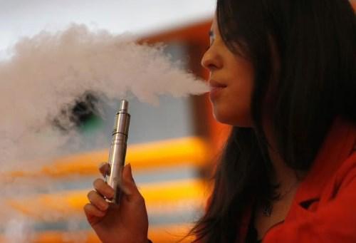 Ternyata Asap Rokok Elektrik Lebih Berbahaya