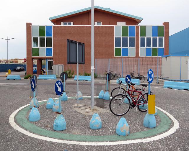 Roundabout, via Edda Fagni, Livorno