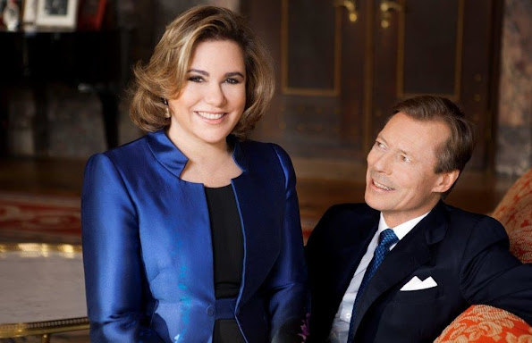 https://2.bp.blogspot.com/-ybhDwJ2PdvQ/Vr3PRi7bkZI/AAAAAAAA8yM/ghVQcEbMd-w/s595/Grand-Duke-Henri-and-Grand-Duchess-Maria-Teresa-1.jpg