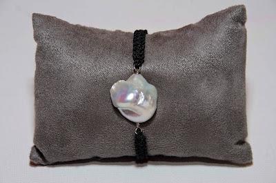 Pulsera de perla barroca con pasadores y terminales en plata