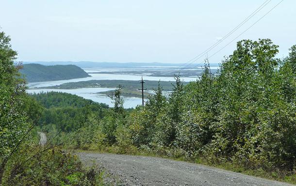 แม่น้ำที่ยาวที่สุดในโลก, แม่น้ำอามูร์ หรือ แม่น้ำเฮย์หลงเจียง เป็นแม่น้ำที่ยาวเป็นอันดับ 10 ของโลก มีต้นกำเนิดระหว่างรัสเซียตะวันออกกับตะวันออกเฉียงเหนือของจีน (ใจกลางแมนจูเรีย)