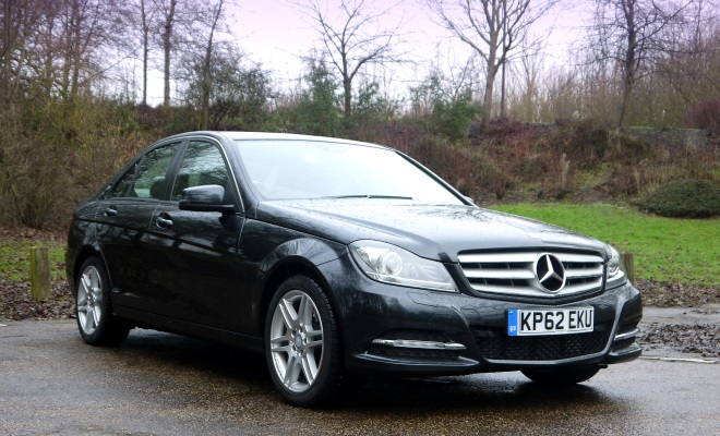 Mercedes-Benz C220 CDI BlueEfficiency Executive SE front view