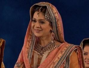 Biodata Chhaya Phadkar (Pemeran Hamida Banu Begum)