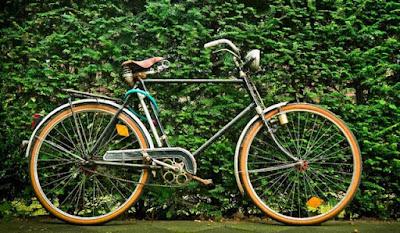 descriptive text tentang sepeda klasik