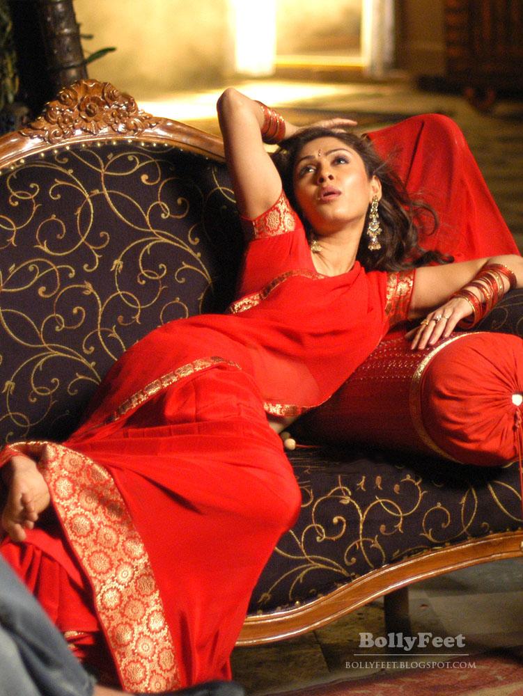 South Indian Film Actress Manjari Fadnis Saree Images