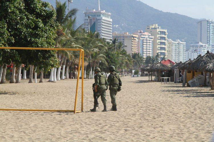 Ejecutan a militar en Acapulco; viajaba en lujosa camioneta sin placas en zona de narcos