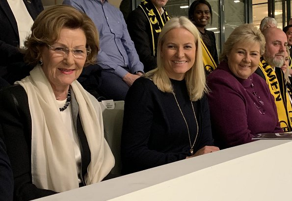 Queen Sonja, Crown Princess Mette-Marit and Prime Minister Erna Solberg at Telenor Arena. Vålerenga and LSK Kvinner