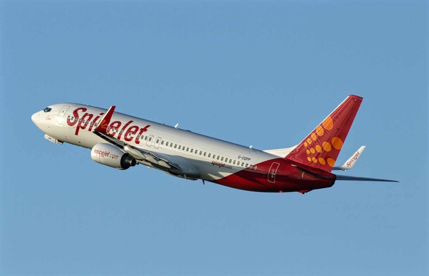 SpiceJet Boeing 737-800 While Climbing The Sky