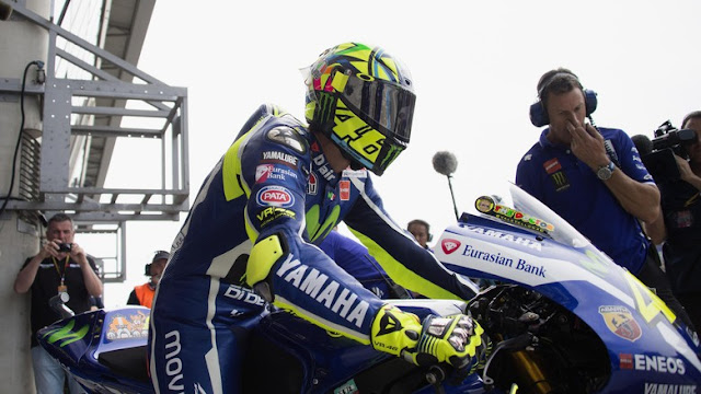 Demi Yamaha, Rossi Buru Poin-Poin Penting di Valencia
