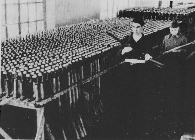 Gran cantidad de armamento sofisticado recuperado durante el Golpe de Estado de 1934.