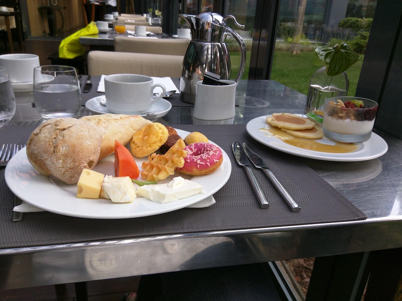 breakfast buffet at glass sheraton cascais portugal julie s rh juliesdiningclub blogspot com sheraton breakfast buffet maui sheraton breakfast buffet gold coast