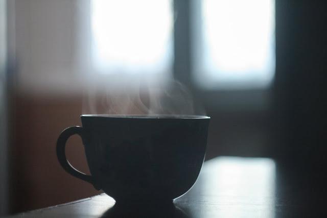 małe domowe spa- peeling kawowy z korundem